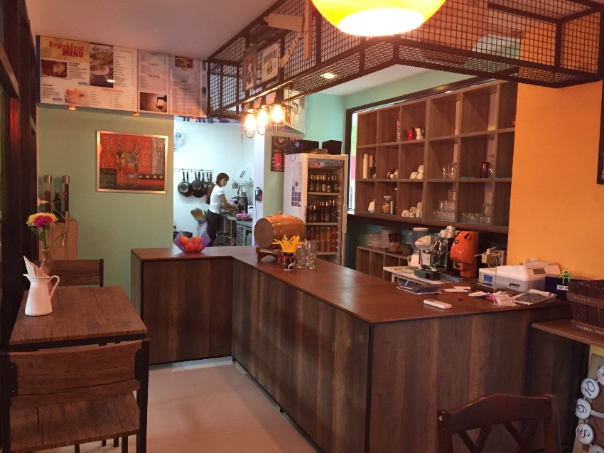 A great bistro and restaurant for sale in the heart of ao nang