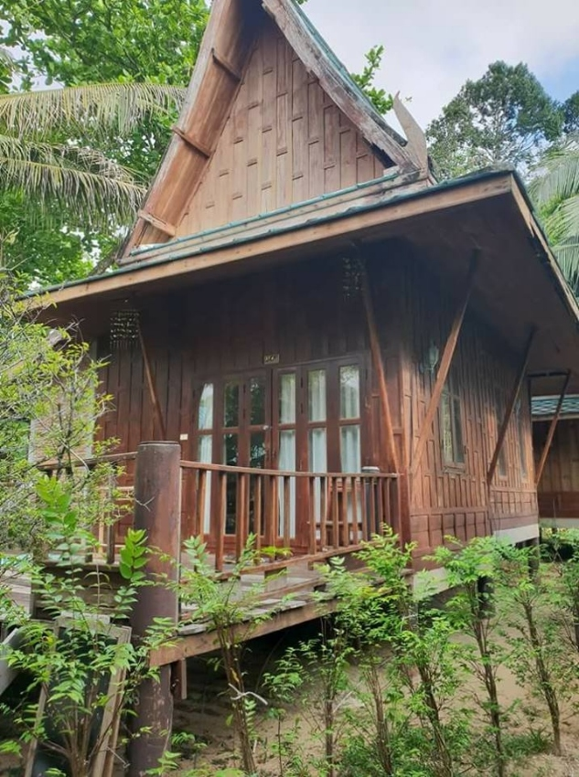 Big hotel / resort for sale at Koh Chang
