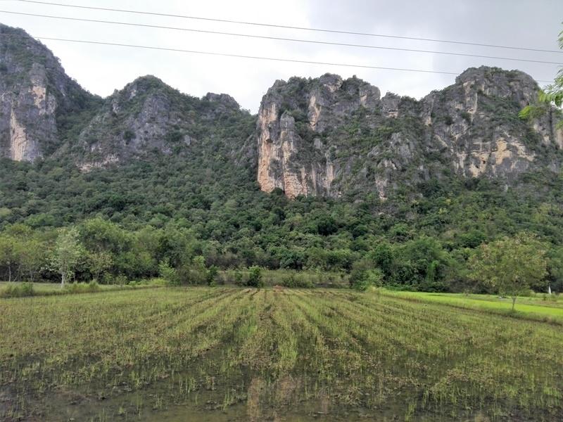 Beautiful Cha-am Mountain View 8 Rai Plot