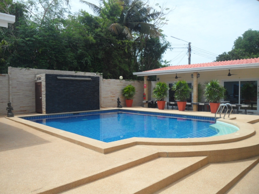 Newly Renovated 11 Room Guest House/Resort