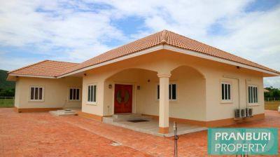 Big house & land with workshop for sale near Prachuap Kiri Khan town