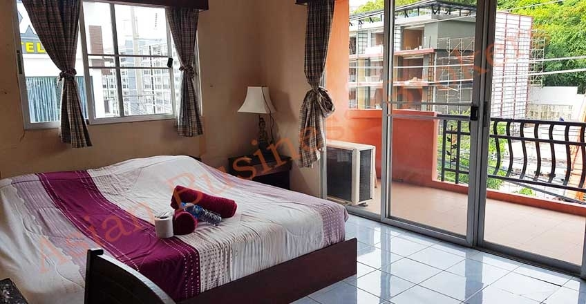 1202019 17-Room Hotel in Pra Tamnak for Sale and Rent