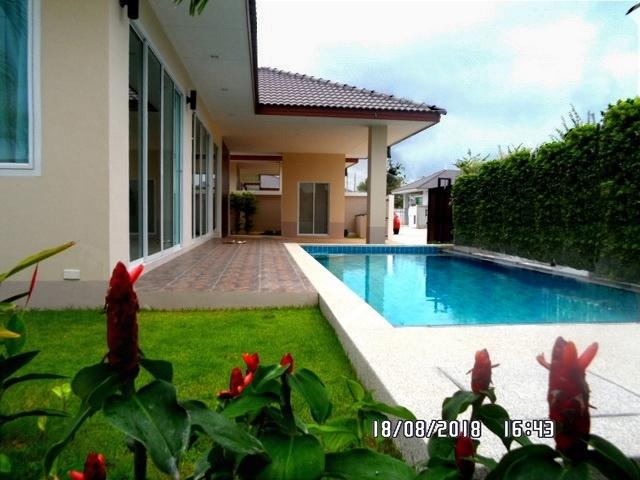 Pool villa Pattaya house for sale 4.9M.