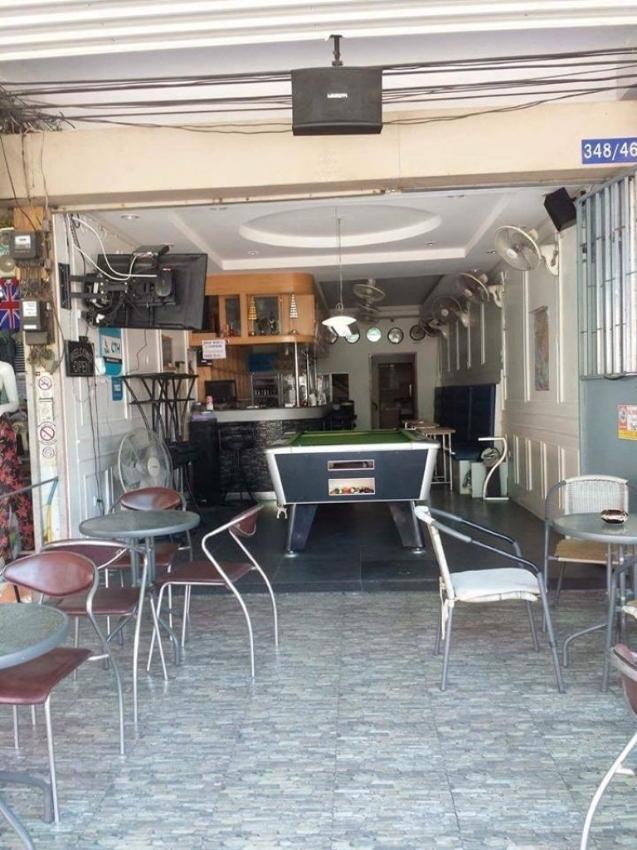 Pattaya Bhua Kao Bar with 9 Rooms Take Over