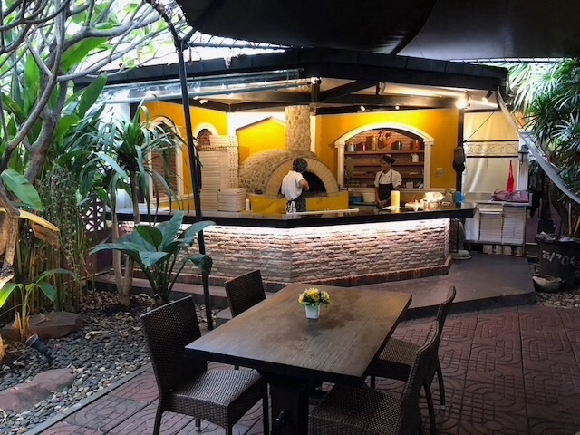 Italian restaurant +house at nichada Thani chaengwattana