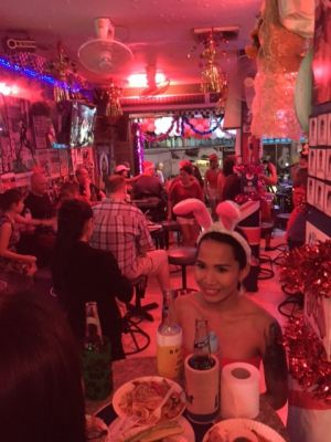 Nice Bar and Rooms Great location Soi 7 Patts. Complete with Kitchen