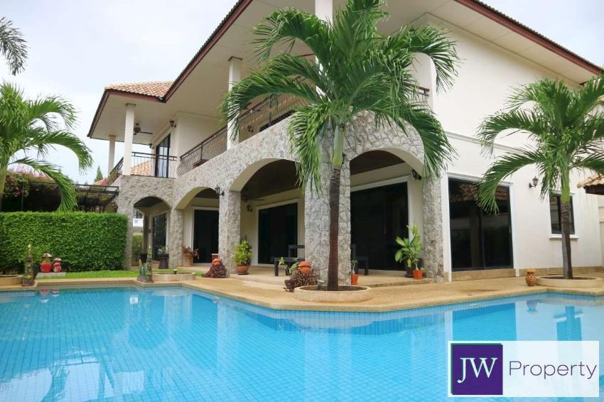 Spacious corner plot central 2 storey pool villa in great location