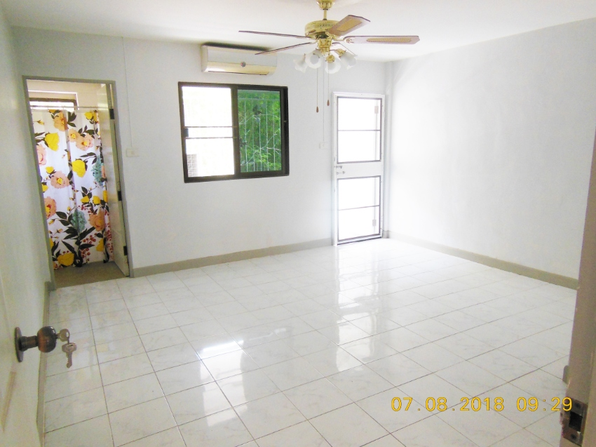 Two storey Townhouse - South Pattaya
