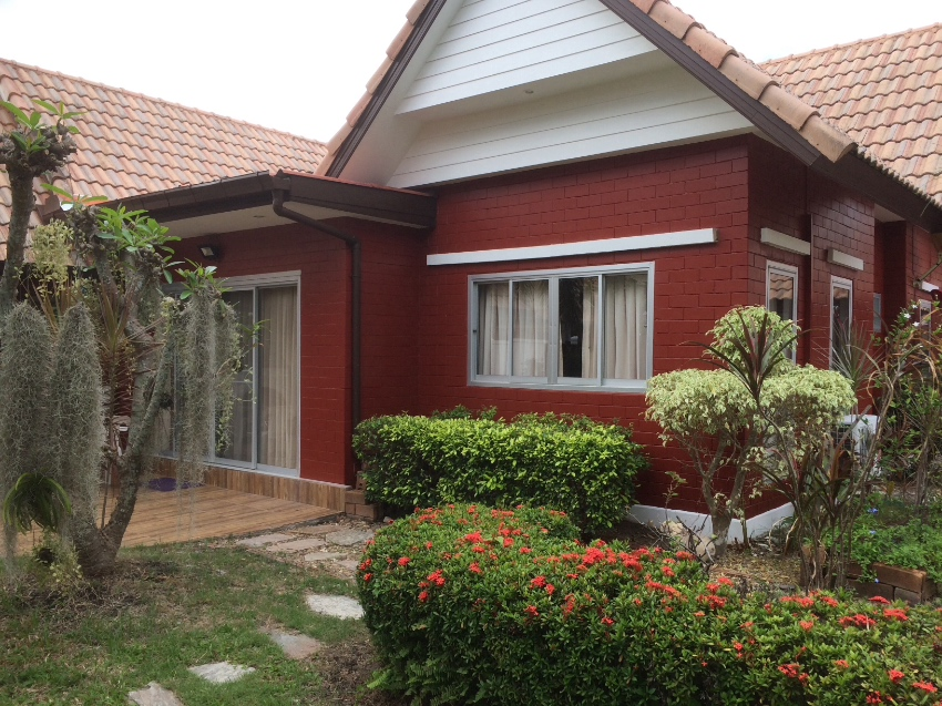 REDUCED!! 3 Bed private pool