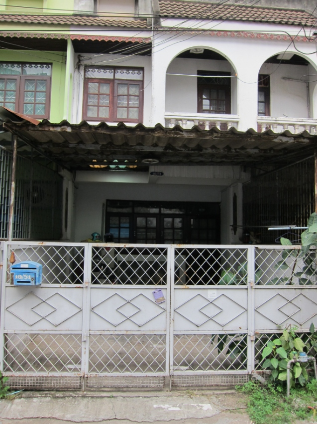 Two bedroom townhouse for rent/sale in RatchaburI