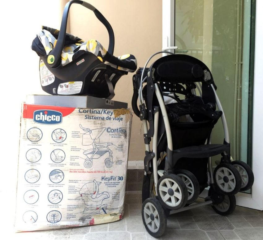PUSHCHAIR / STROLLER AND CAR SEAT - CHICCO - BOXED - EXCELLENT CONDTN.