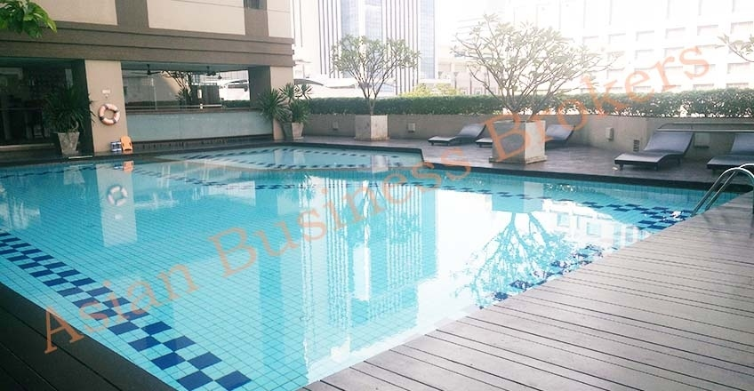 0130001 Coffee Shop Space near 4 Star Hotel Swimming Pool in Chit Lom