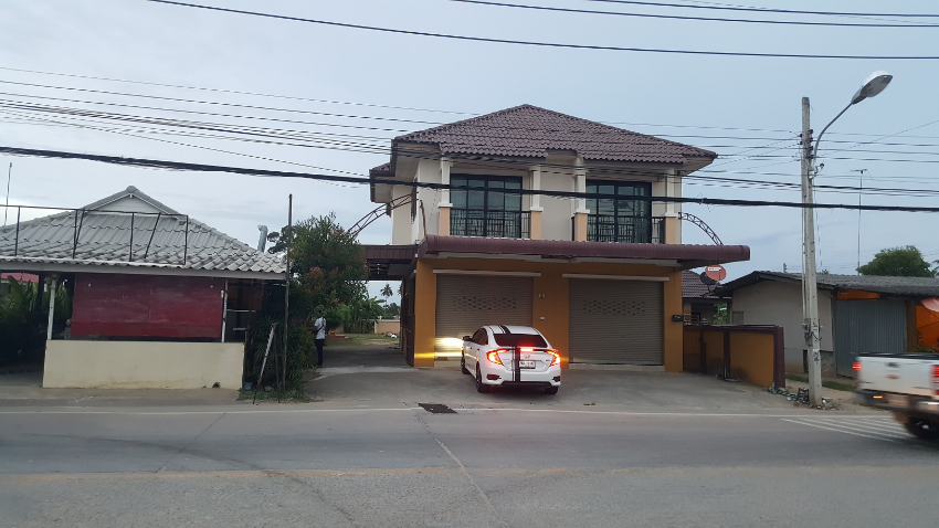 Huay Yai Centre, Nr Pattaya on 201tw. Ref 3051 Price G