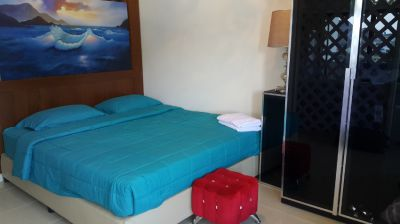 sale a lot of items 2 king size bed with matress 3 sofa bed,