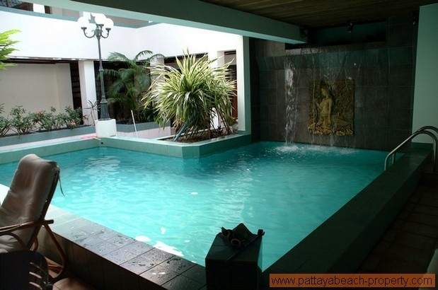 Apartment for rent North Pattaya,2 beds, size 130s.qm.,communal pool.