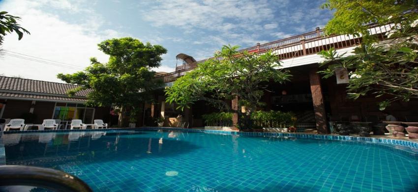 4 Star 65 Room Resort for Rent at Sukumvit Road