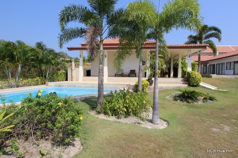 House for sale Hua Hin with swimming pool