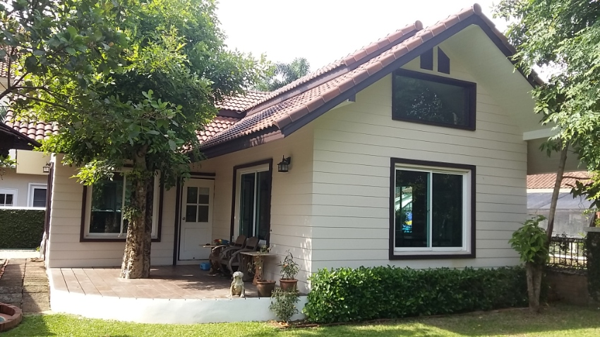 Location Location Location,  Home with additional Guest House
