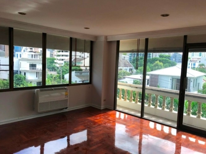 Renovated Big 3Br FF Pet Friendly Apartent For Rent Phrom Phong