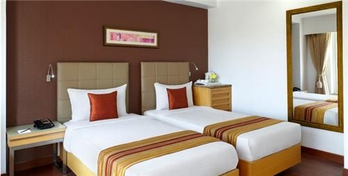 Modern Hotel with lift and restaurant for Lease in Patong
