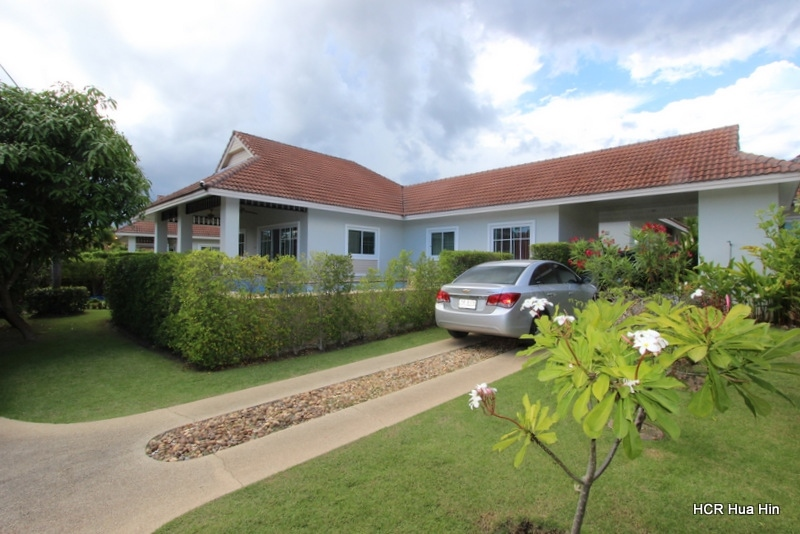 Fully furnished villa with swimming pool