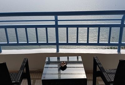 CS1472 Metro Beach Front Condo For Sale