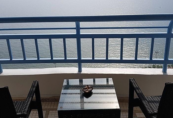 CS1472 Metro Beach Front Condo For Sale