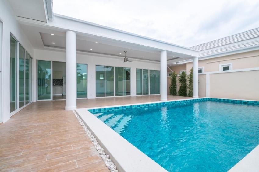 New built un-furnished 3 bedrooms pool villa