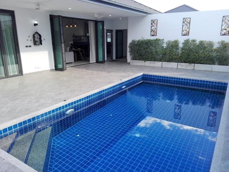 Fully Furnished 3 BR 3 Bath Pool Villa Near City Center