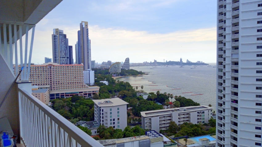 94m2 2bed 2bath Sea view Firesale Wongamat Garden Beach