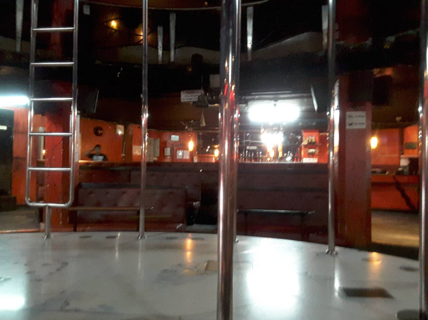 Gogo/Club In Walking Street for Sale and Rent with License.