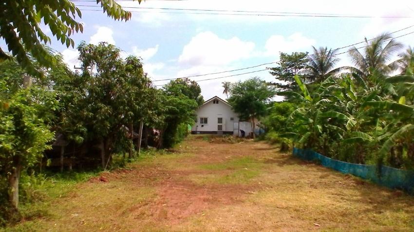 Udon Thani city 2 building plots for sale (cheap) 400 M2 / 650 M2