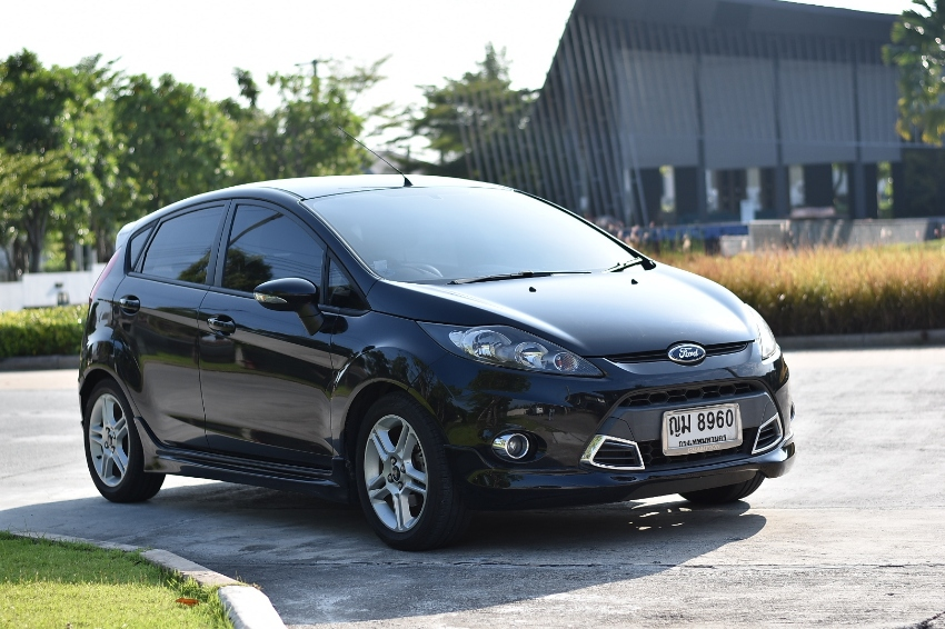 2011 Ford Fiesta, low mileage,new tyres