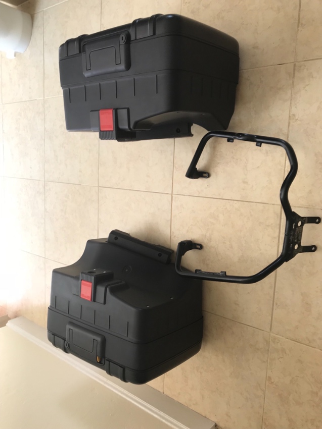 BMW Panniers .. side boxes ( Genuine BMW)