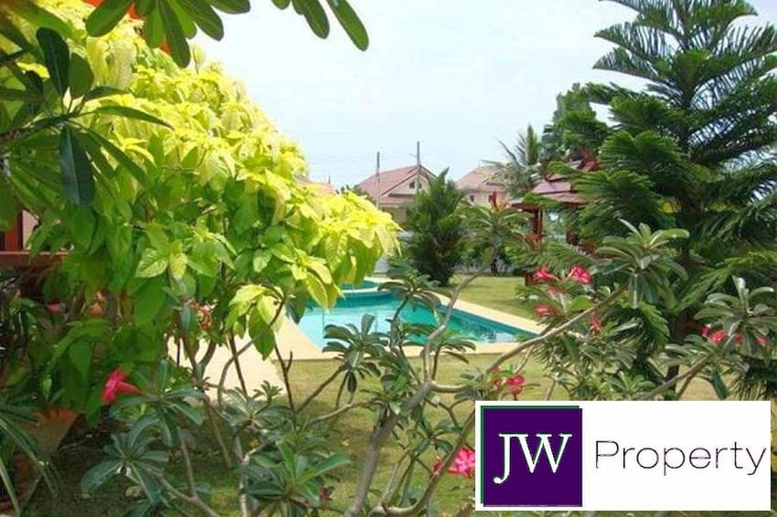 Must Sell* Price Reduced* FIRESALE* 3 bed pool villa in Cha Am Only 4m