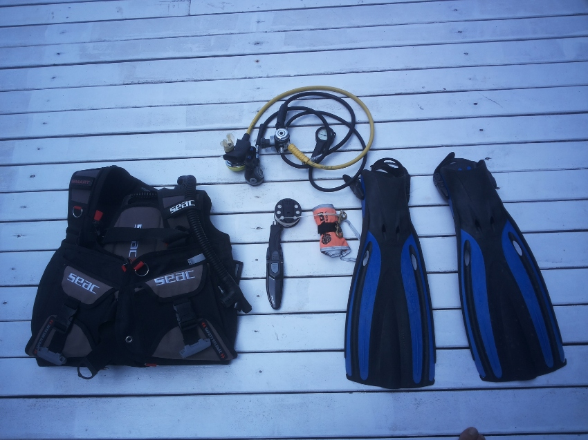 Second hand dive equipment for sale. Low price.