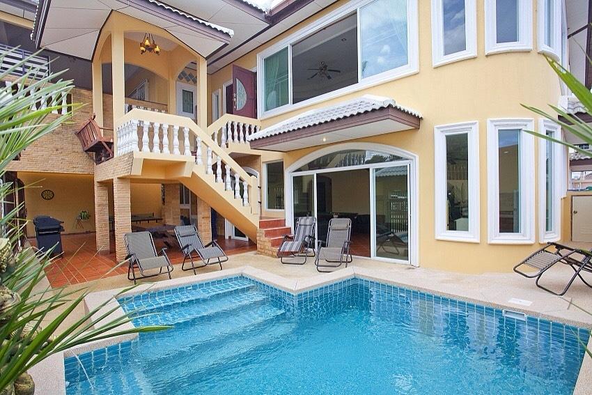 Luxury Pool Villa in Soi Kha Talo For Sale!!