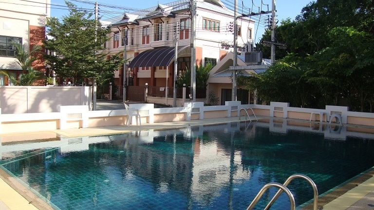 Phuket/Chalong Townhouse for SALE