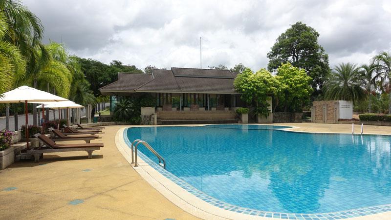 Phoenix Golf Course: 4 bedroom villa overlooking gorgeous nature