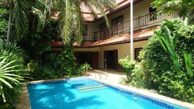 3 bedroom downtown Thai Bali style villa in secure village
