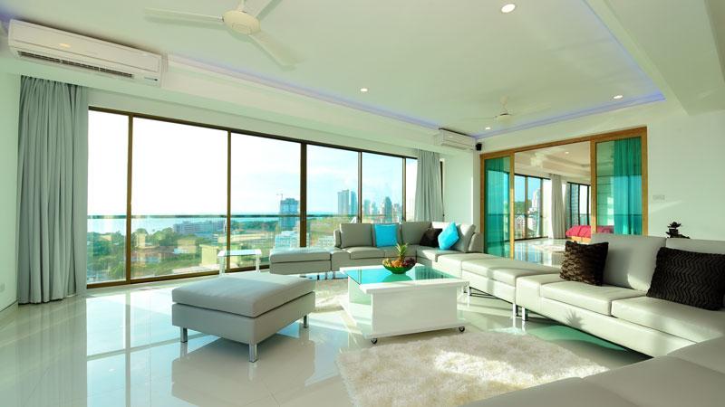 Brand-new 3 bedroom designer-Penthouse on Pratumnak Hill