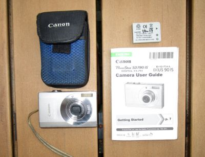 Canon Camera - PowerShot SD 790 IS (For Repair or Parts)