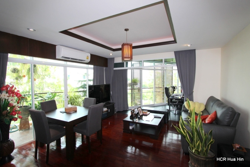 Fully furnished 1 Bedroom Sea View Condo for Sale+Gift