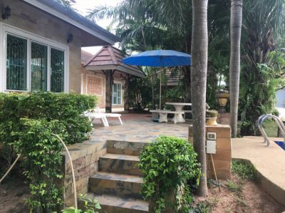 Huay Yai - A most attractive older house in mature gardens on 1 rai