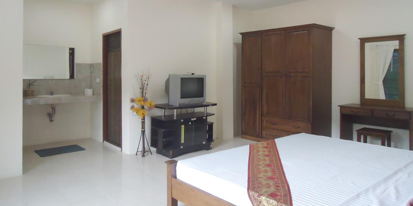 Guesthouse for Lease in Kata