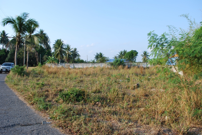 300 Tw Land for Sale in Bangsare, ideal location in secluded area