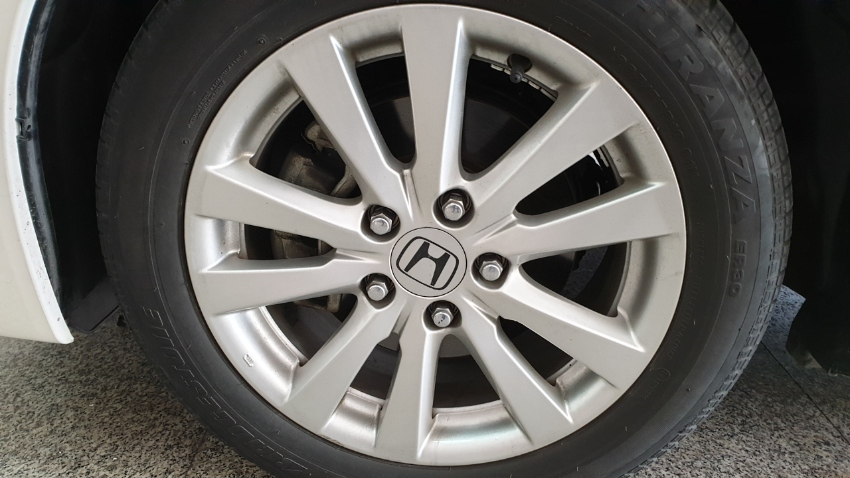Honda 16 inch alloy wheels