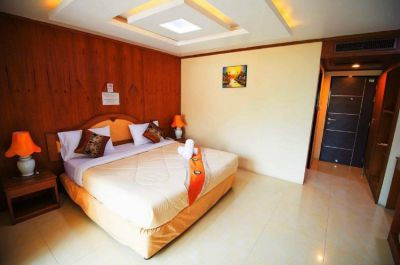 35 Room Hotel for Rent Thappraya Rd Cloce to Third Road