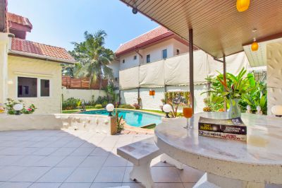 Investment House in South Pattaya - with long term tenant
