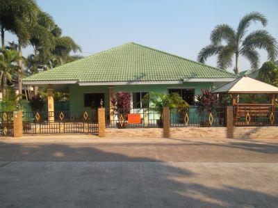3 bedroom house for rent near the International Regents School